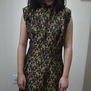 Dresses & Skirts - VINTAGE gold brocade Chinese qipao cocktail dress